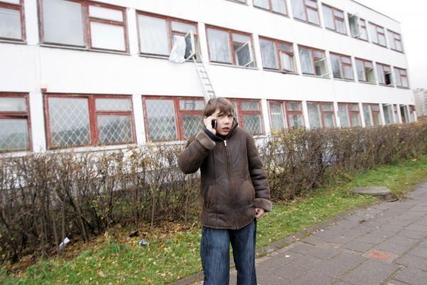 Sostinėje degė mokykla, vaikai lipo per langus (papildyta 11.54 val.)