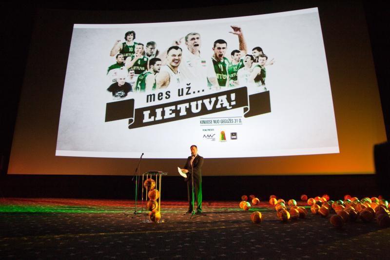 """Filmas """"Mes už ...Lietuvą!"""" – rinktinės kasdienybė iš arti"""