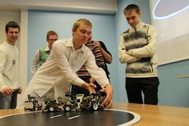 Kauno kolegijoje – robotukų kovos