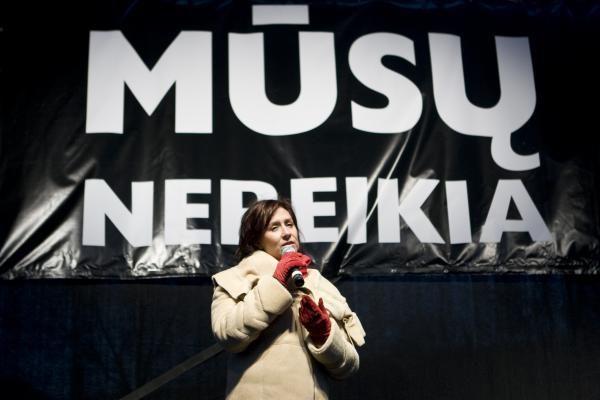 Atlikėjai protestą išreiškė dainomis