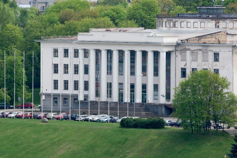 J.Pinskus: Profsąjungų rūmai gali būti išmainyti į poilsio namus