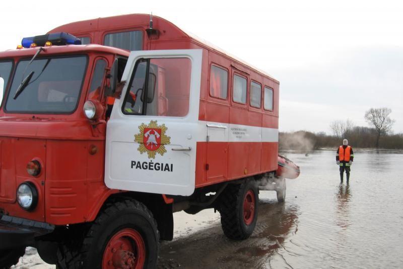 Pamaryje iš apsemtų teritorijų ugniagesiai gelbėjo gyventojus
