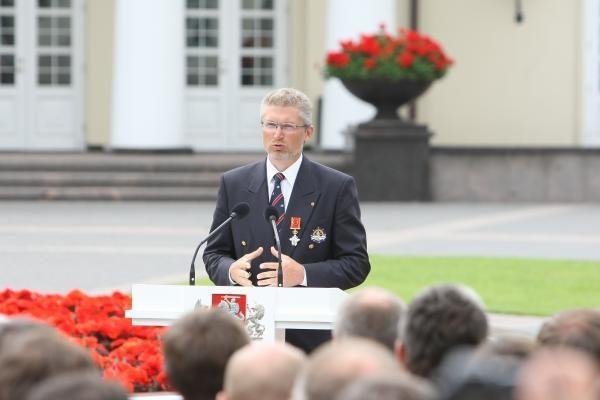 P.Kovas N.Narmontaitei pasipiršo prezidentūroje