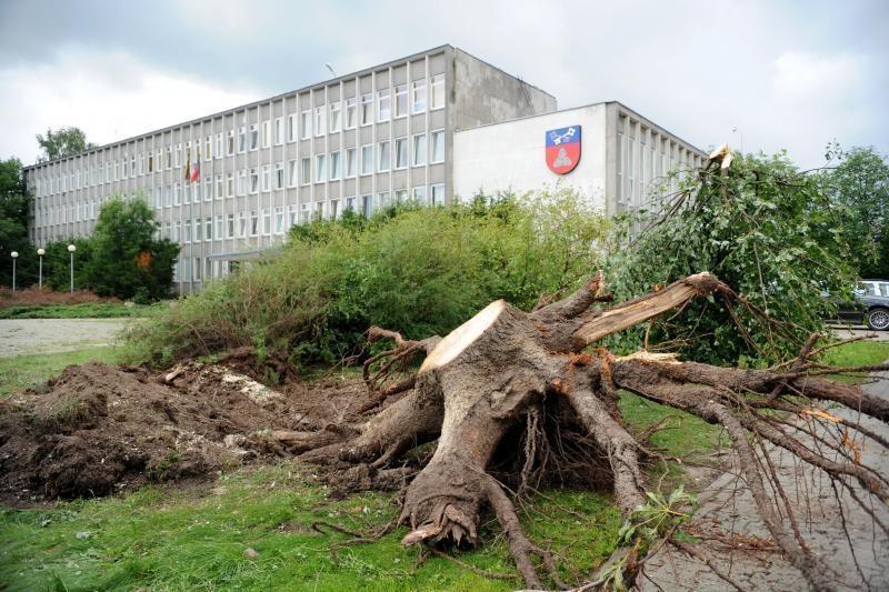 Dar 14 tūkst. vartotojų visoje Lietuvoje neturi elektros