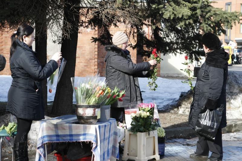 Prieš Kovo 8-ąją Klaipėdoje sujudo prekeiviai gėlėmis