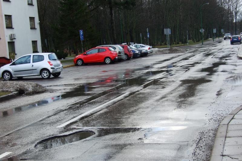 Kuriose Klaipėdos gatvėse tyko pavojingiausios duobės? (pranešk!)