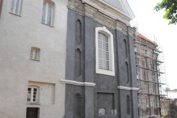 Vilniaus Šv. Stepono bažnyčios fasadai pasipuoš pelenų spalva