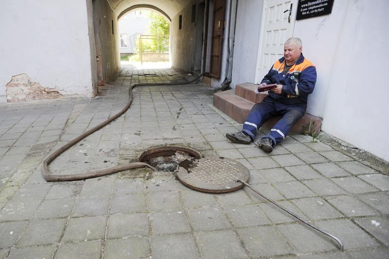 Iš Kauno gyventojų čiaupų – vanduo kaip iš balos