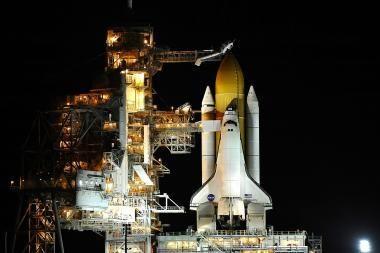 """Erdvėlaivis """"Discovery"""" """"pasirengęs kilti"""" paskutinei misijai"""