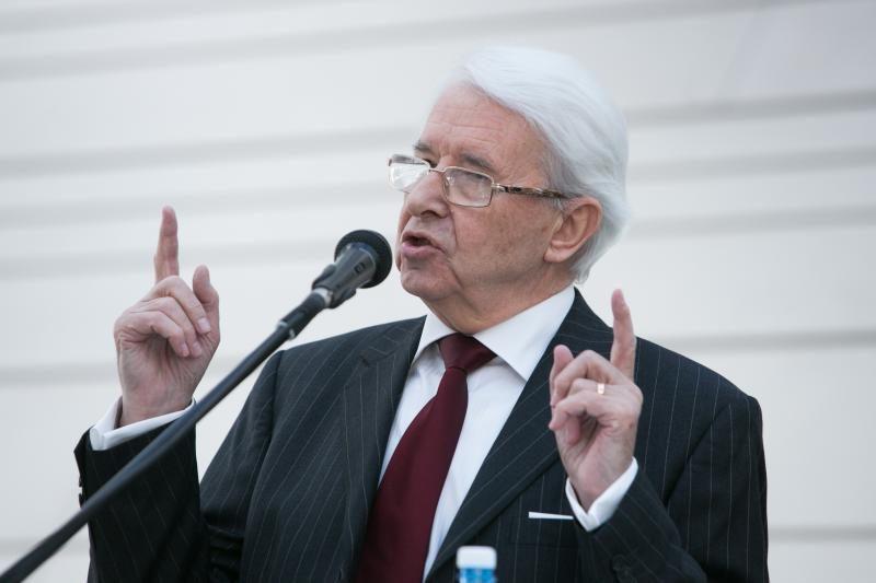 Seimo komitetas nepritarė ambasadorių Vengrijoje ir Azerbaidžane atšaukimui