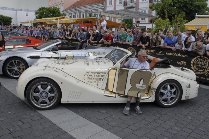 Lietuviai pasitiko Holivudo žvaigždę D. Hasselhoffą