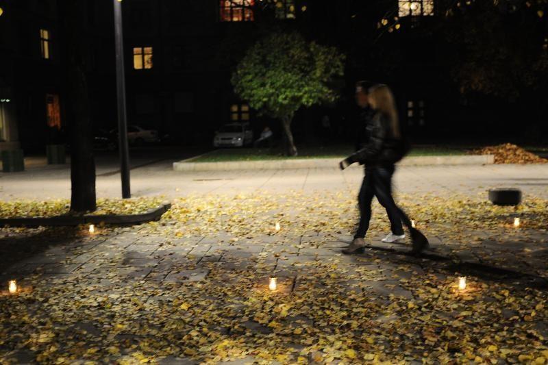 Tūkstančiai studentų žvakelių – išėjusiesiems