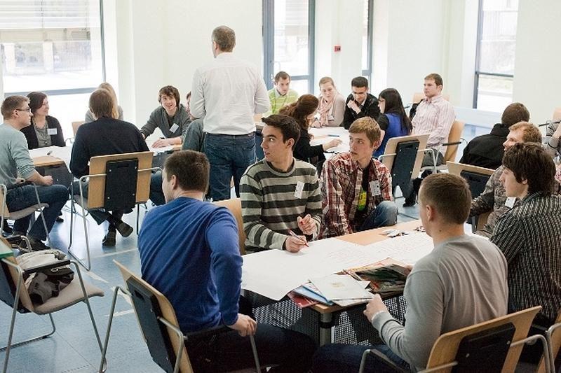 Studentų verslo idėjos: nuo akvariumų iki sportinių mašinų detalių