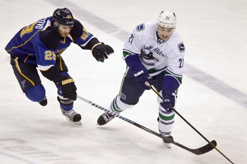 Vankuverio komanda išsiveržė į priekį NHL pirmenybėse