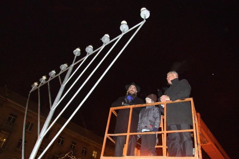Klaipėdos žydų bendruomenė uždegė Didžiąją Menorą