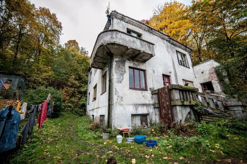 Gaisras Kaune: žuvo vyras su moterimi, kiti 5 išgelbėti