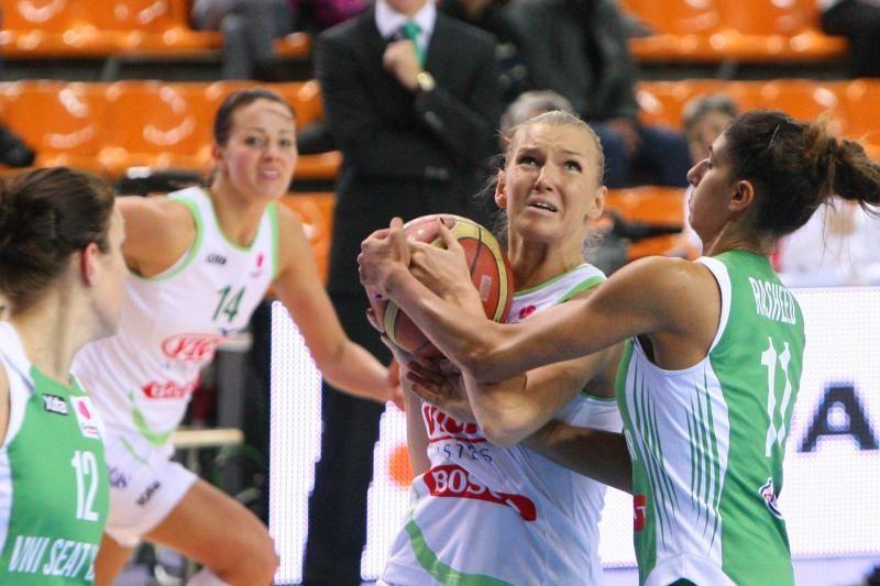 """Pirmoji """"VIČI-Aisčių"""" pergalė FIBA Eurolygos moterų krepšinio turnyre"""