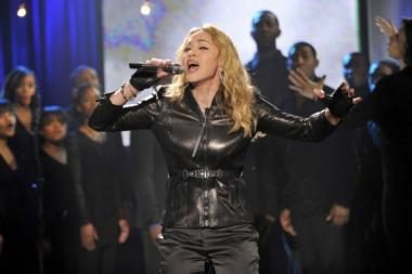 Madonna pastebėta su nauju