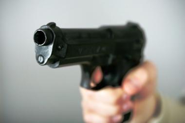 Konfiskuotus ginklus parduos prekiautojams