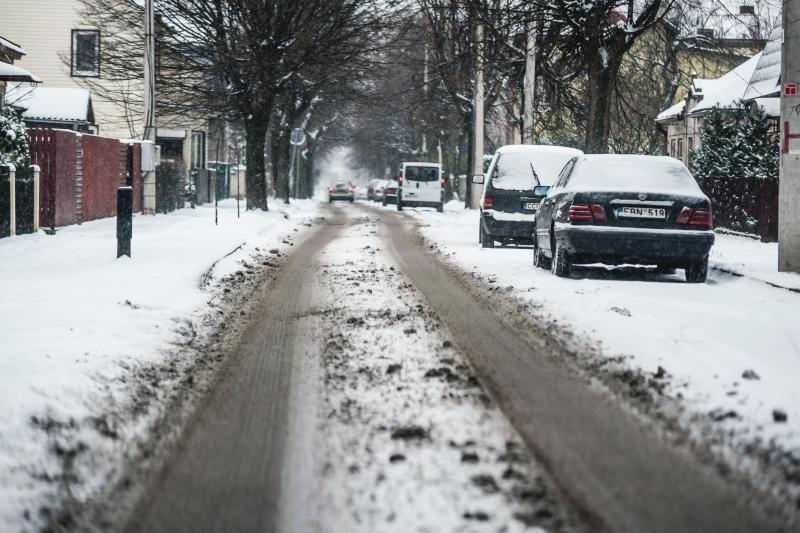 Valdininkas: nėra prasmės valyti gatvių, kai sninga!