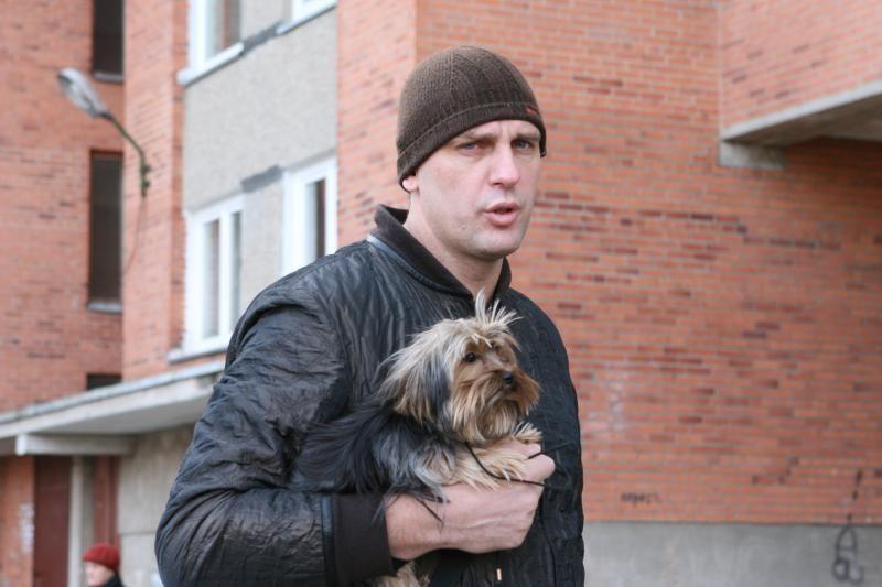 Policija ramino šuniuką nužudyti grasinusį Gintarą Einikį