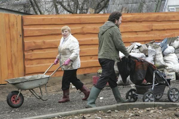 Potvynio pasekmės: permirkę daiktai, jovalas kiemuose ir nesuskaičiuojami nuostoliai