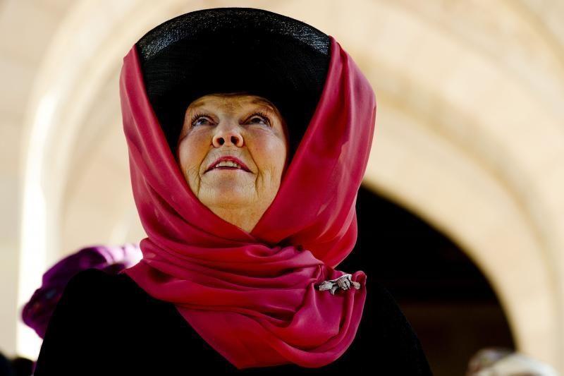 Olandijos karalienė Beatrix tapo vyriausia šalies monarche