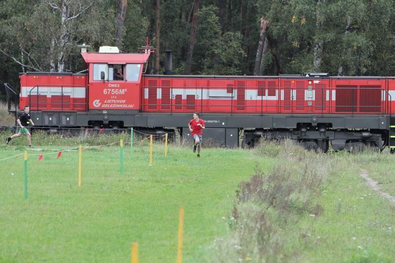 Daugiau nei 800 bėgimo entuziastų susirinko į rudens kroso čempionatą