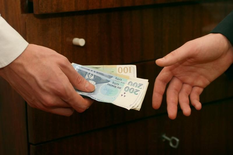 Klaipėdos policininkai nesusigundė 2000 litų kyšiu