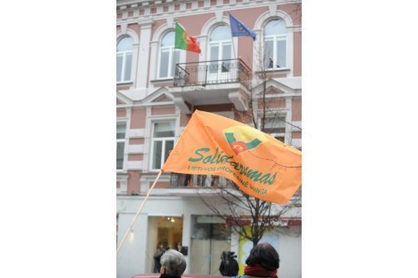 Vilniuje piketavę profsąjungų atstovai reiškė paramą kolegoms Portugalijoje