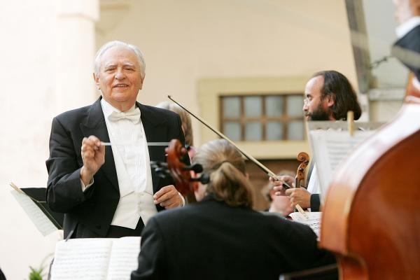 Dirigentas S. Sondeckis – reanimacijoje (prezidentė ir premjeras linki sveikatos)
