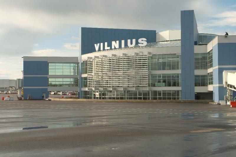 """Vilniaus oro uoste teko manevruoti keleiviniam """"Lufthansa"""" lėktuvui"""