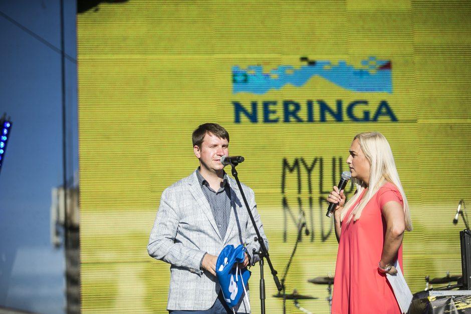 """Savaitgalis festivalyje """"Sveika, Neringa!"""" V. Baumilai prasidėjo nesėkme"""