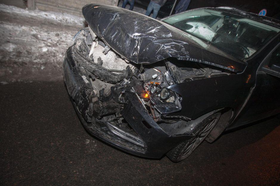 Nuokalnės gatvėje per avariją sužalotas vyras išvežtas į ligoninę