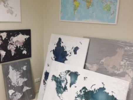 Skelbimas - Pasaulio žemėlapis su smeigtukais -50% nuolaidą