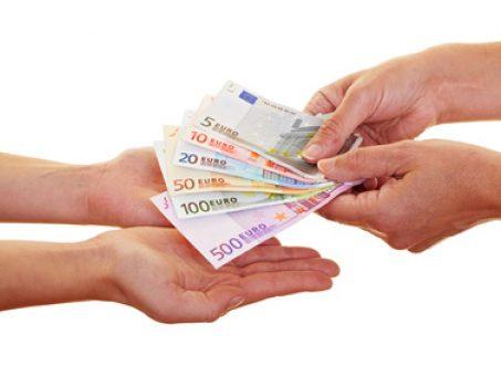 Skelbimas - parama asmenims, kuriems reikia finansinės paramos,
