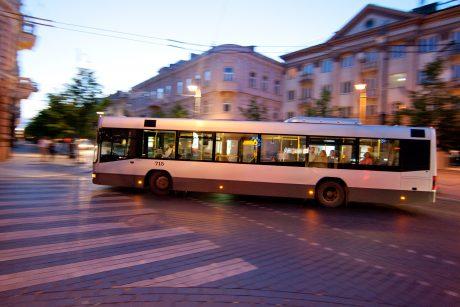 Naktiniai autobusai sostinėje – populiarūs