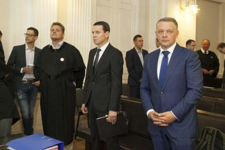 """""""MG Baltic"""" byla: teisiamieji kaltės nepripažįsta, bet duos parodymus"""