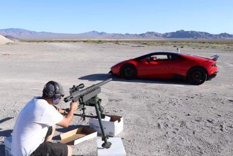 """Rizika dėl adrenalino: šūvis per """"Lamborghini"""""""