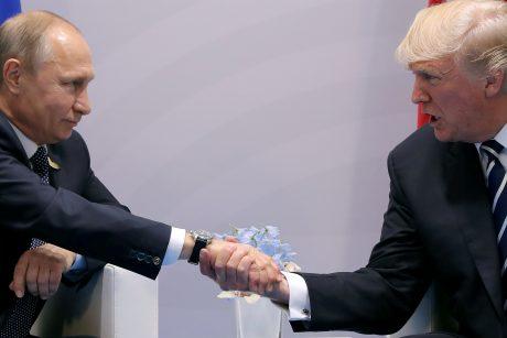 Baltieji rūmai ir Kremlius D. Trumpo ir V. Putino susitikimą vadina nereikšmingu