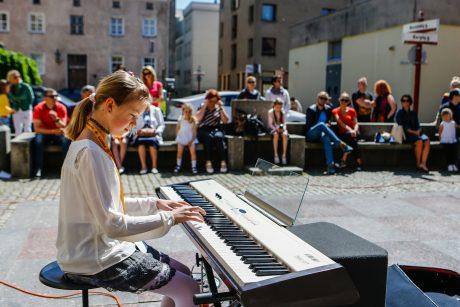 Gatvės muzika suskambo jūriškai nusiteikusioje Klaipėdoje