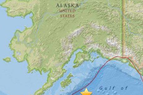 JAV Vakarų pakrantėje cunamių pavojus atšauktas