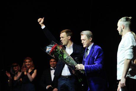 Jubiliejiniame koncerte V. Šiškauską sveikino sūnus