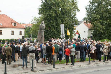 Minėjimas prie A. Mickevičiaus paminklo