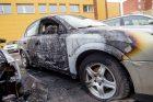 Dubingių gatvėje degė automobiliai
