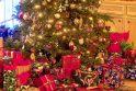 Patarimas: geriau turėkite nupirkę arba pagaminę daugiau dovanų – atsarga gėdos nedaro.