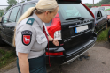 Policijos aikštelės pilnos iš girtų vairuotojų konfiskuotų automobilių