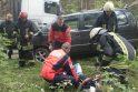 Nemenčinės pl. gelbėtojai iš sumaitoto automobilio išvadavo du vyriškius