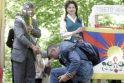 Tibeto skvero atidaryme - vos keli parlamentarai