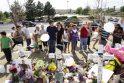 Filmų apie Betmeną žvaigždė apsilankė Kolorado šaudynių miestelyje